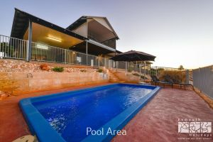 3 Kestrel Place - PRIVATE JETTY  POOL - Accommodation Coffs Harbour