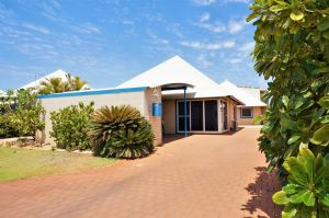 Osprey Holiday Village Unit 119 - Close to the pool - Accommodation Coffs Harbour