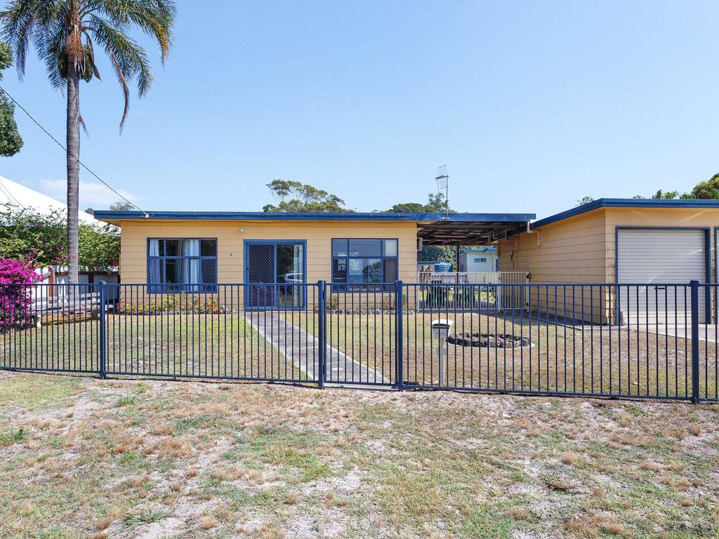 3 Curlew Avenue - Accommodation Coffs Harbour